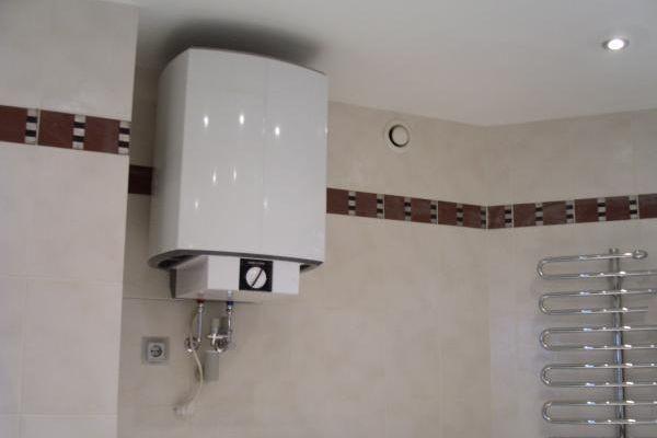 установка водонагревателя фото