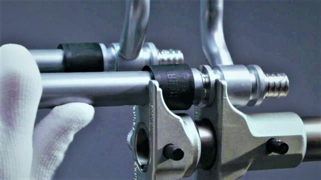 технология монтажа труб рехау фото